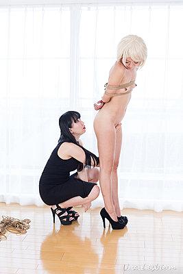 Asagiri Akari & Hirasawa Eri