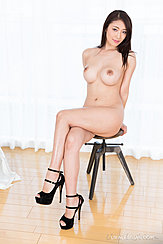 Kobayakawa Reiko Sitting On Stool Naked Big Breasts Legs Crossed Wearing High Heels
